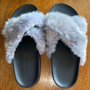 Victoria's Secret PINK Gray Fuzzy Slippers Size M